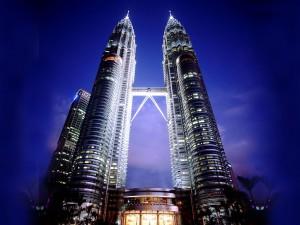Kuala_Lumpur_Petronas_Towers_international_asset_allocation