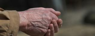 hands-1522643_640